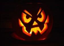 Faenza. 'Halloween è in Borgo', maghi, cartomanti e streghe nell'area verde di via Saviotti.