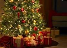 Costume. Le quarantenni italiane  non  rinunciano alla tradizione magica del Natale e ai regali.