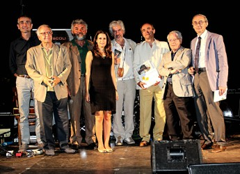 San Mauro Pascoli. Pubblicato il bando del Premio Pascoli di Poesia. Sezione in lingua e dialetto, scadenza il 30 aprile 2015.
