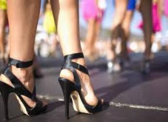 Salute&Benessere. Attenzione: indossare i tacchi invecchia prematuramente le ginocchia…