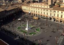Forlì. Per la prima volta si è svolta in Piazza Saffi 'Fencingmob', un evento che ha coinvolto diverse città italiane ed europee