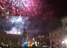 Capodanno a Santarcangelo: in 2mila in piazza ad aspettare l'arrivo del 2015.