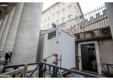 Italia. Roma. La barberia del Vaticano, un atto che ridona dignità a chi è meno fortunato.