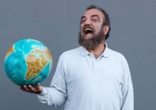 Coriano. Al teatro Cor.Te Giobbe Covatta con lo spettacolo Seigradi: temi ambientali e tante risate.