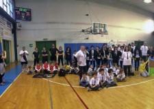 Lugo. Genitori sotto rete, tutto è pronto per il quinto torneo di pallavolo tra genitori organizzato dalle scuole.