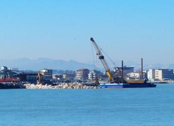 Rimini. Terminata la posa dei massi per la nuova scogliere di San Giuliano Mare, per il mese di marzo il completamento dell'opera.