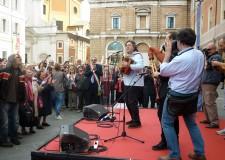 Ravenna. Celebrato il 70° anniversario della Liberazione in una piazza del Popolo gremita. Presente anche il vice presidente della Camera Marina Sereni.