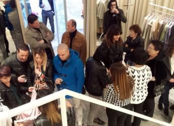 Milano Marittima. Inaugurato il punto vendita della startup lughese del settore moda AnJelina, abbigliamento e accessori di lusso made in Italy.