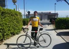 Bellaria Igea Marina. Dalla Baviera alla riviera romagnola in sella alla bicicletta, l'impresa di Achim Heinze, medico classe 1971. Evviva le vacanze.