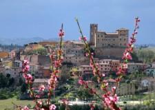 Longiano. La Pasqua da trascorrere tra percorsi religiosi, arte e cultura. Per tutto il mese il concorso fotografico 'Longiano: punti di vista'.
