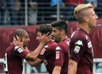 Notizie non solo di sport. Toro-Juve, un derby d'altri tempi. Rovinato dai 'soliti noti'. Tre big in Europa.