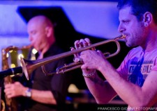 Fusignano. Grande musica al Teatro Moderno con Alessandro Scala Quartet e il trombettista Fabrizio Bosso protagonisti di un 'viaggio stellare'.