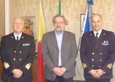 Ravenna. In un cordiale incontro il sindaco Fabrizio Matteucci ha incontrato il Contrammiraglio Roberto CAmerini, comandante marittimo nord.