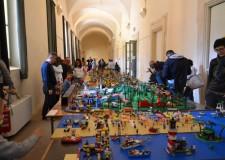 Bagnacavallo. La 'città dei Lego 2015′ ha visto la partecipazione di oltre 2mila bambini, premiati tutti i giovani partecipanti.