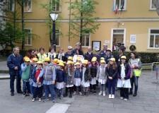 Cervia. Inaugurate le nuove quattro linee 'Piedibus' per la scuola primaria Pascoli. In 26 andranno a scuola a piedi.