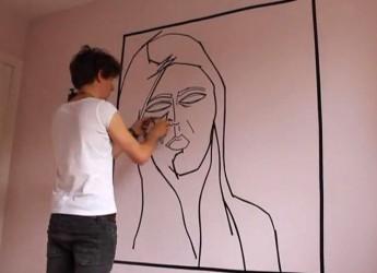 Ravenna. L'artista Beniamin Murphy incontra gli studenti del'Accademia. Il giovane talento londinese è legato alla Tape Art.