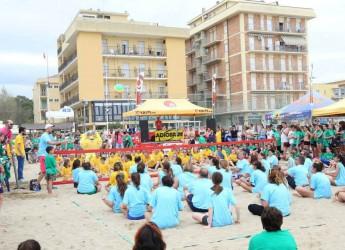 Bellaria Igea Marina. Successo di partecipanti, ben 7.500, per la 15ma edizione dello Young Volley on the beach. Una festa dello sport.
