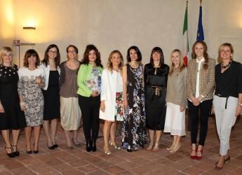 Lugo. Le socie della neonata delegazione lughese de 'Il fornello di Rivalta di Piacenza' ricevute dal sindaco Davide Ranalli.