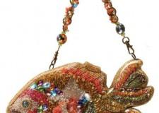 Italia & Mondo. Mary Frances lancia la nuova linea di 'summer bags' ispirate ai temi marini. Una creatività premiata per il suo stile.
