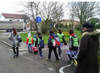 Unione della Bassa Romagna. Due le iniziative che mirano al risparmio energetico e alla mobilità sostenibile per dipendenti pubblici e studenti.