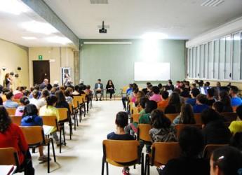 Cotignola. Un incontro con gli alunni delle scuole medie per ascoltare la storia di don Stefano Casadio in occasione del 14 anniversario dalla scomparsa.