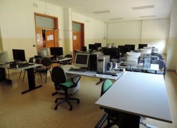 Bellaria Igea Marina. Inaugurata alla scuola media Panzini la nuova aula informatica con nuovi computer, connessione super veloce e assistenza.