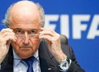Notizie non solo di calcio. Vittoria di Pirro per mister Blatter? Juve verso Berlino, Vale il più grande.