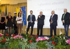 Cervia. Inaugurata la Città giardino. Il prefetto ha consegnato al sindaco la medaglia del Presidente della Repubblica Sergio Mattarella.