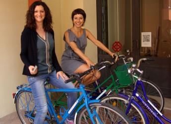 Santarcangelo. Alla scoperta della città con il nuovo servizio gratuito di noleggio bici DigiBike. Utilizzate le biciclette rigenerate dal Festival del Teatro.