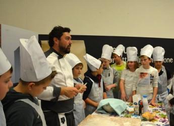 Reggio Emilia. Per omaggiare l'Expo al centro commerciale Ligabue una giornata all'insegna del gusto, della tradizione e del divertimento.