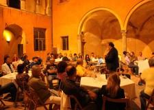 Dozza. Il Sangiovese inaugura la stagione estiva della Rocca per la rassegna 'sere d'estate fresche di vino'.