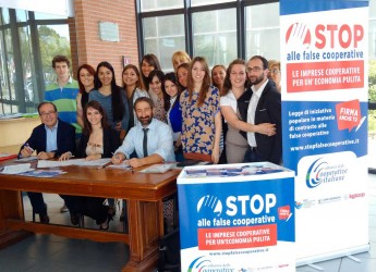 Romagna. Una firma contro le false cooperative. In tutti i comuni della Romagna continua la raccolta firme promossa dall'Alleanza Cooperative Romagna.