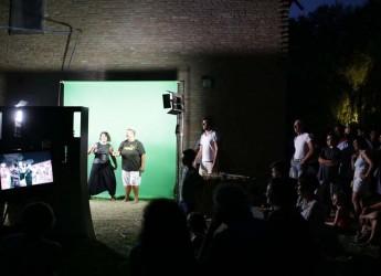 Fusignano. Il set cinematografico del progetto 'Alla ricerca dei sapori perduti' ha coinvolto centinaia di persone.