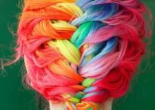 Cattolica. All'Altamarea Beach Village la Creative Neon Hair Color, i nuovissimi colori per capelli dedicati alle più giovani.