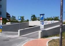 Gatteo Mare. Sosta più facile e chiara, introdotta la nuova cartellonistica per indicare i parcheggi gratuiti e interventi di riduzione sulle tariffe.
