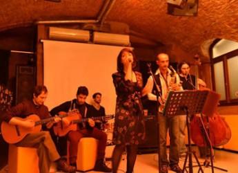 Conselice. Per gli appuntamenti del giovedì sera sul palco di piazza Foresti il gruppo Hot Club di Bologna.