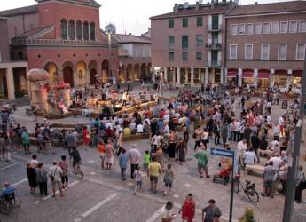 Cotignola. La città ha festeggiato con una grande festa l'inaugurazione della rinnovata piazza Vittorio Emanuele II.