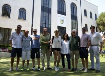 Riccione. Radio Deejay ha aperto la stagione estiva nella Perla. Fino al 29 agosto in diretta da Piazzale Roma e Aquafan.