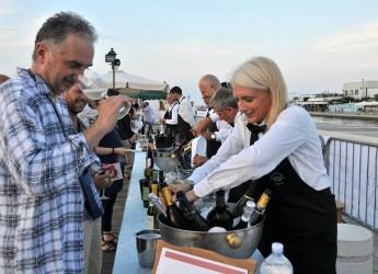 Cesenatico. In viaggio verso l'Expo con 'Tramonto DiVino', otto tappe lungo la via Emilia per promuovere la cultura del cibo e del vino.