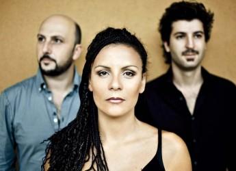 Coriano. Due serate per 'Arancioné la notte': musica pop(olare) e fiabe con il south beat dei 'Canto Antico' e i racconti del Premio Andersen.