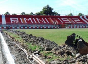 Rimini. Iniziati i lavori allo stadio Romeo Neri per la realizzazione del nuovo manto sintetico.