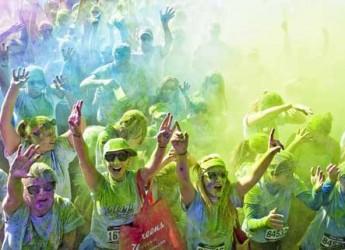Lido di Savio. Sport, divertimento e colori per la Color Vibe 5k Run, la corsa che chiude la stagione estiva.