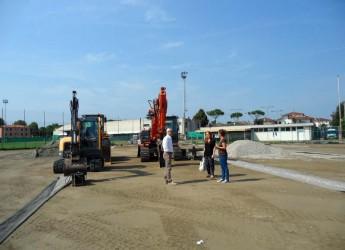 Gambettola. Campo in sintetico. Procedono a pieno ritmo i lavori per la realizzazione nell'impianto sportivo di via Curiel.
