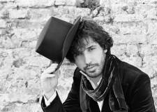Ravenna. Gregor Ferretti in concerto con 'La divisione aritmetica' per la rassegna estiva 'L'Antico Porto al chiaro di Luna'.