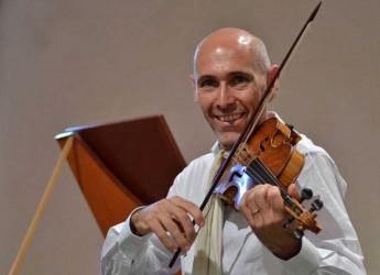 San Leo. Al Palazzo Mediceo concerto finale di Masterclass di violino antico con il direttore Enrico Onofri.
