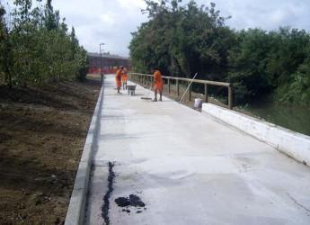 Riccione. Sistemato e riaperto il tratto di pista ciclabile che costeggia il Rio Melo dopo i lavori di messa in sicurezza.