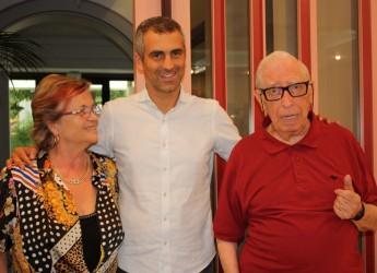 Rimini. Premiato il giornalista e scrittore Domenico Volpi per i suoi 50 anni di vacanze in città in punta di penna.