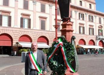 Forlì. Omaggio del sindaco ai partigiani in occasione del 71° anniversario del massimo sacrificio dei martiri.