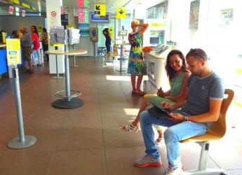 Rimini. Con le App di Poste Italiane anche per i clienti del riminese il Tablet e lo Smartphone si trasformano in ufficio postale e strumento di informazioni.