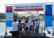 Rimini. Inaugurata la nuovo pista ciclabile di San Giuliano Mare. Un tracciato che unisce la zona del porto alle piste della zona nord della città.